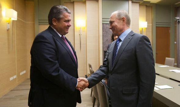 Sigmar Gabriel meeting Vladimir Putin