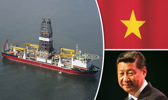 Xi Jinping, Vietnam flag and Deepsea Metro I ship