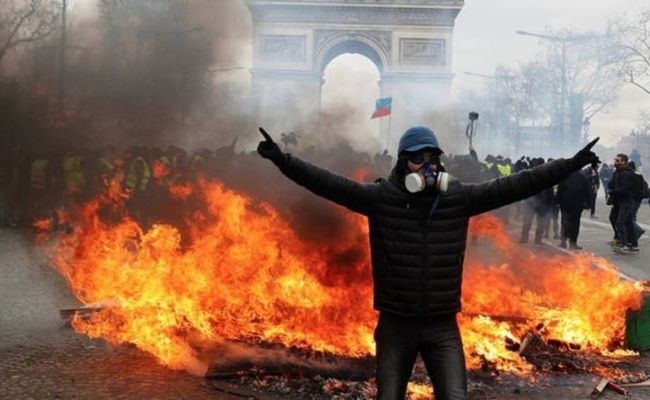 Paris Riots Tensions Erupt In France As Riot Police Fire
