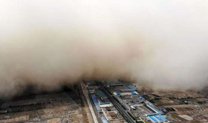 Terrifying sandstorm causes mayhem in northwest China as huge clouds engulf province