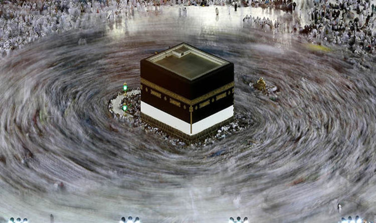 Hajj Live Stream Watch Muslims Circle The Kaaba In Mecca