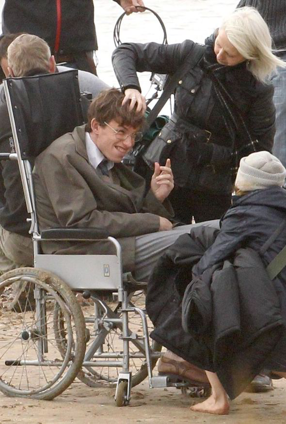 a chair affair child beach with canopy what transformation! hollywood star eddie redmayne is unrecognisable as stephen hawking ...