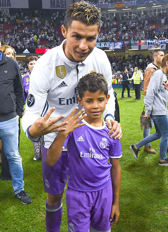 Cristiano Ronaldo Instagram son twins picture holiday