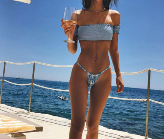 Emily Ratajkowski Looked Incredible As She Soaked Up The Sun In Italy Today