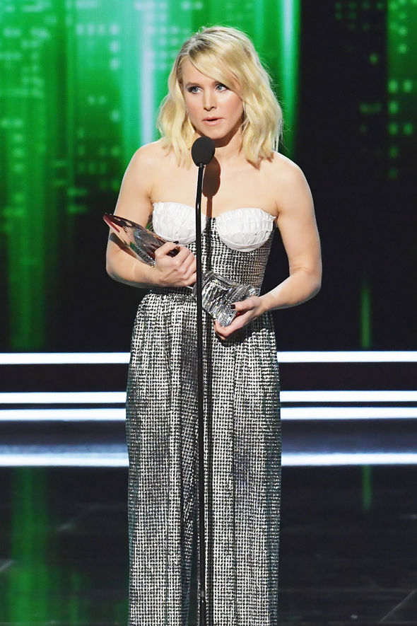 Kristen Bell took home a People's Choice Award