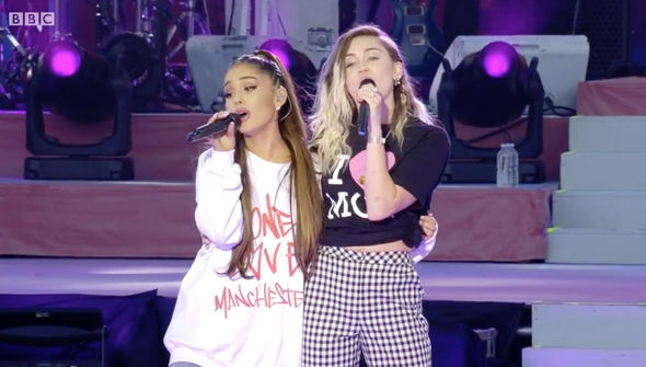 Miley Cyrus later duetted with Ariana Grande