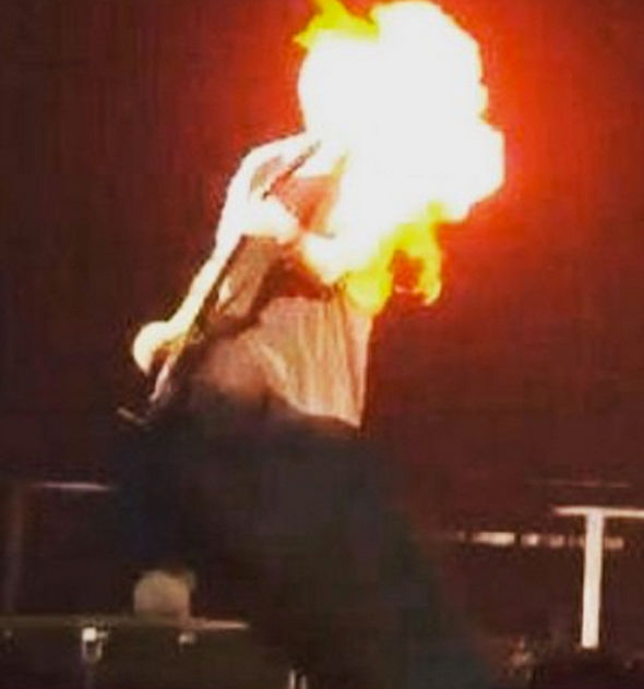 5 Seconds Of Summers Michael Clifford Tweets Hes Ok After Hair Catches Fire On Stage