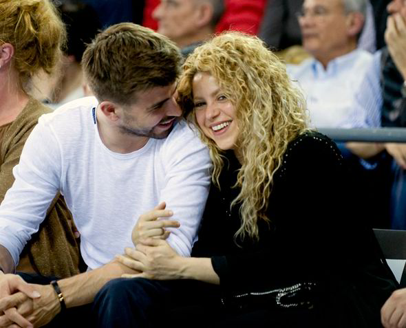 Shakira and Gerard Pique look so lovedup as they enjoy