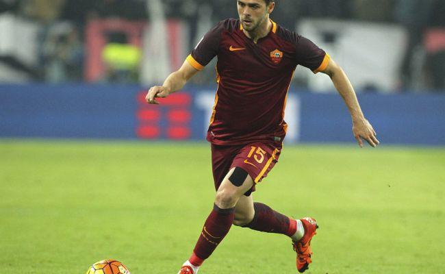 Man United Transfer News Miralem Pjanic S Agent Talks