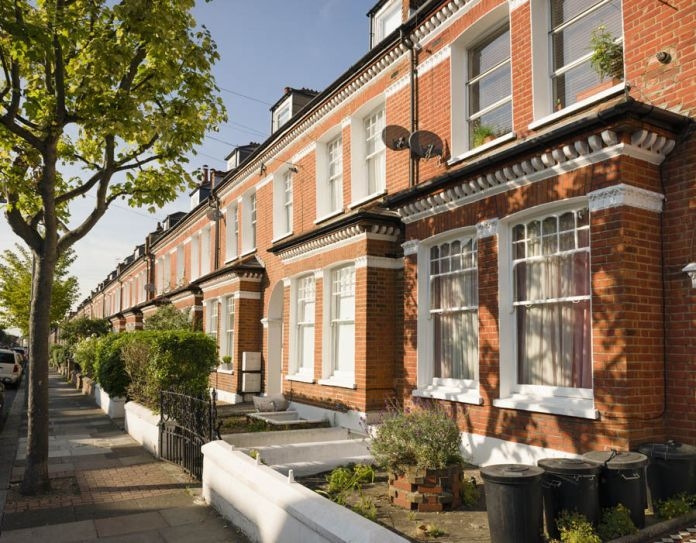 The towns you can afford that are less than 1hr away from London