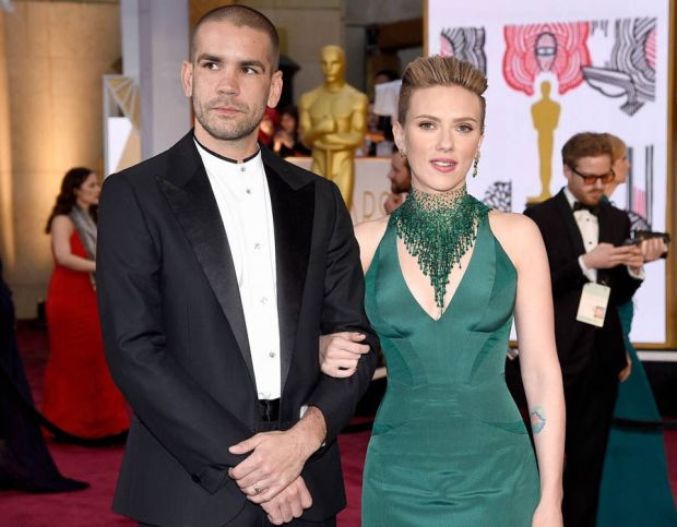 Scarlett Johansson has reportedly spit from her husband Romain Dauriac