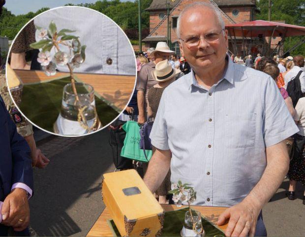 This Fabergé flower brooch £1 million