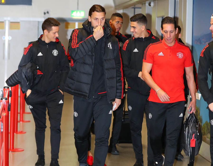 Manchester United fly airport Basel