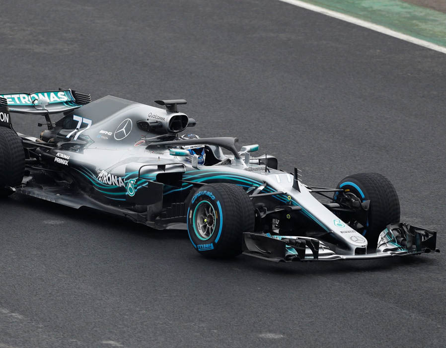 Hyper Car Driver Wallpaper Mercedes F1 2018 Car Launch First Pics Of W09 On Track At