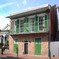 New Orleans Apartment by Jayne Design Studio