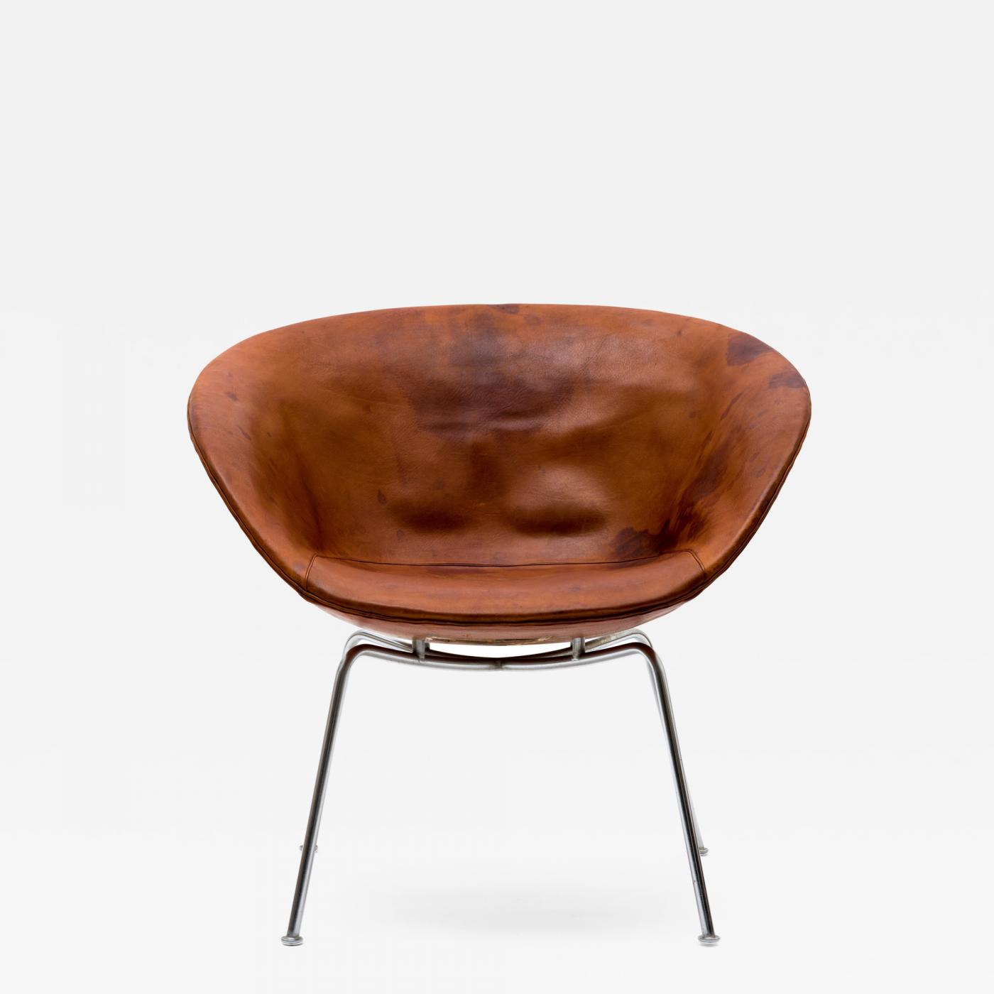 Fritz Hansen Chairs Arne Jacobsen Arne Jacobsen Pot Chair In Distressed Original Fritz Hansen Cognac Leather