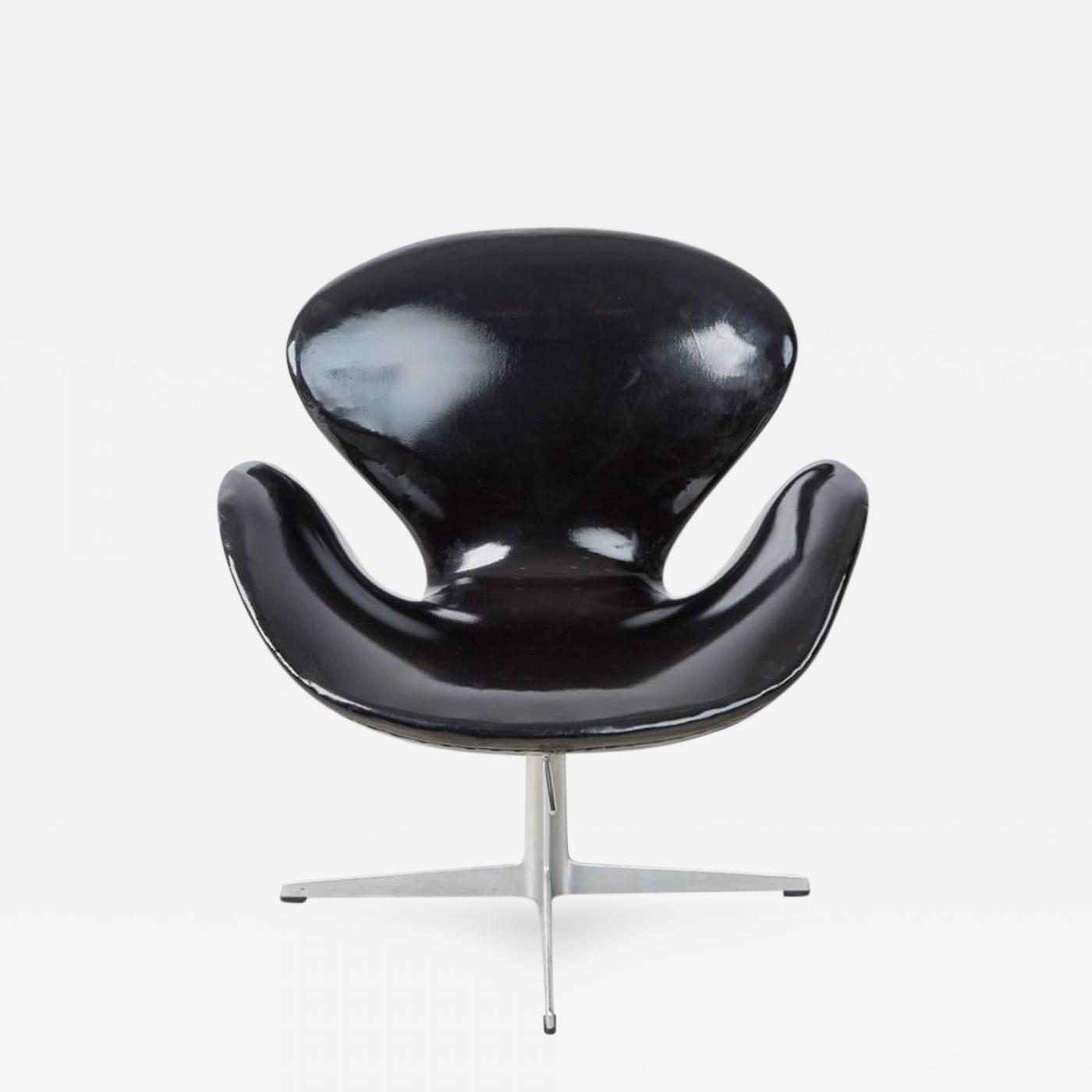 arne jacobsen swan chair club chairs for fritz hansen dated 1966