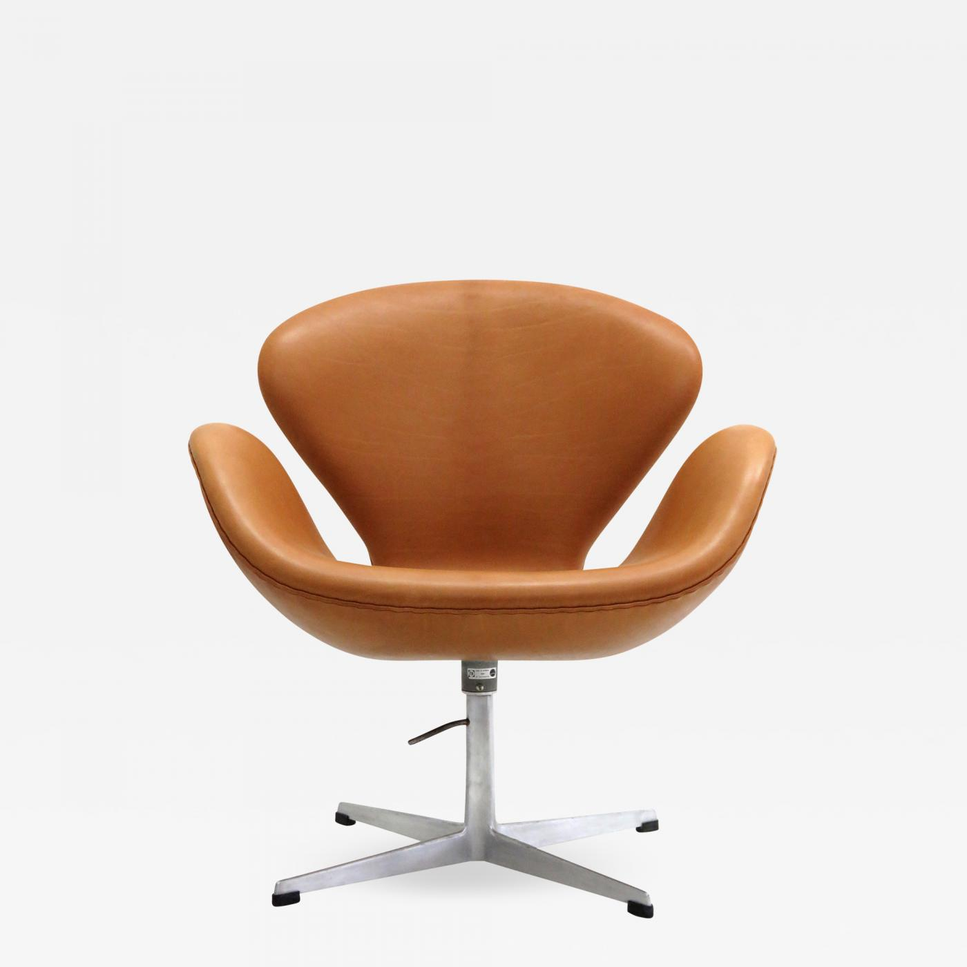 Fritz Hansen Chairs Arne Jacobsen Swan Chair Model 3320 By Arne Jacobsen For Fritz Hansen