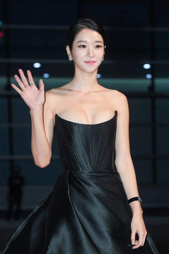 Seo Ye-ji : ye-ji, Ye-Ji, Showed, Goddess-Like, Outfit, Awards, Carpet, InkiStyle