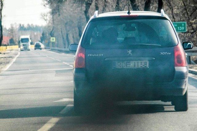 Państwo dźwignęłoby wyższą akcyzę na stare samochody, jeśli mentalność Polaków by się zmieniła.