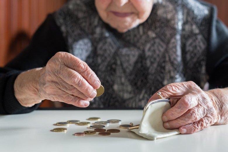 Niskie emerytury. Tylko 1 proc. emerytów w Polsce może liczyć na pomoc w domu ze strony gminy.