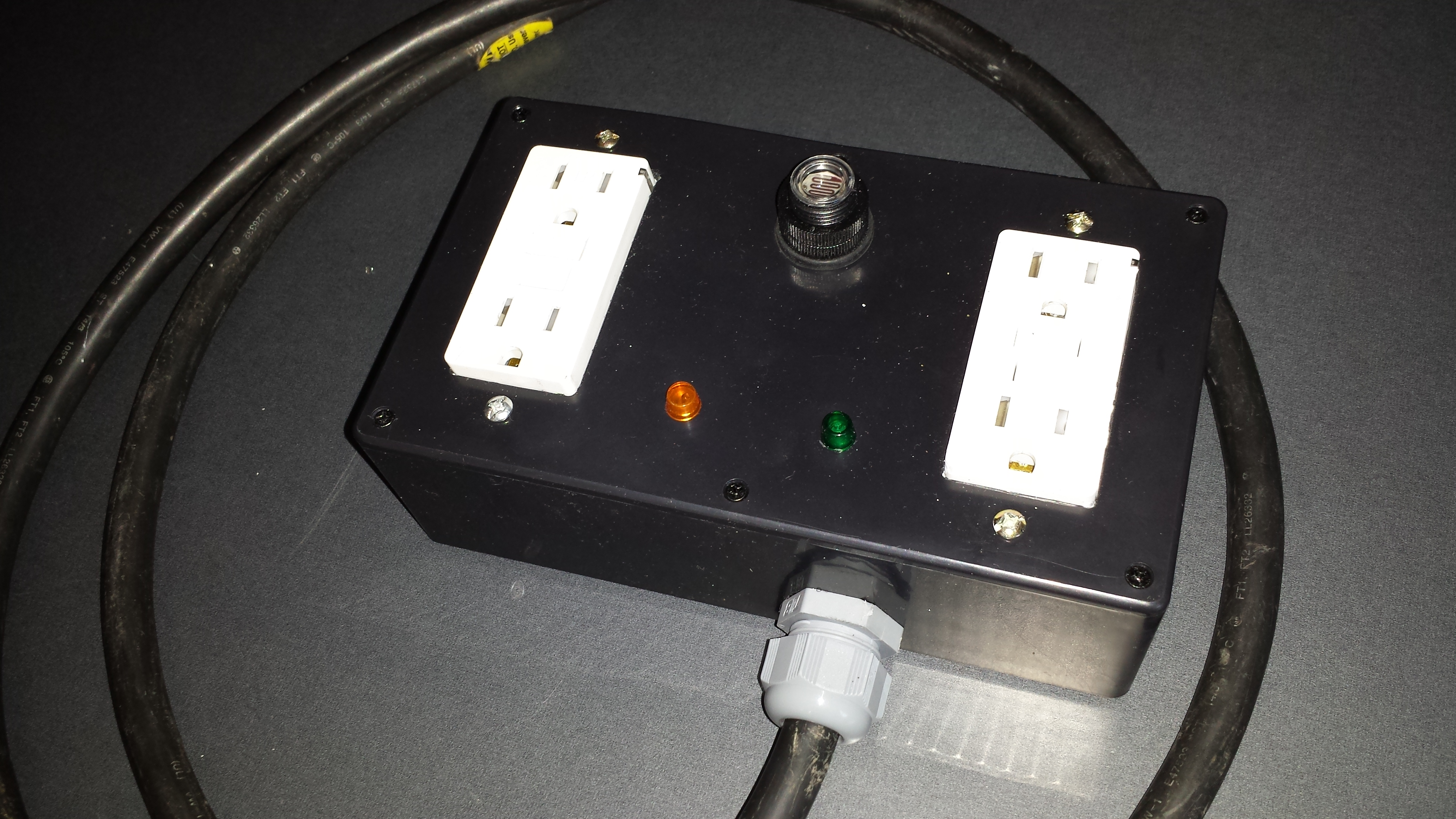hight resolution of photo sensor controlled outlet turns on or off at daylight or nightime