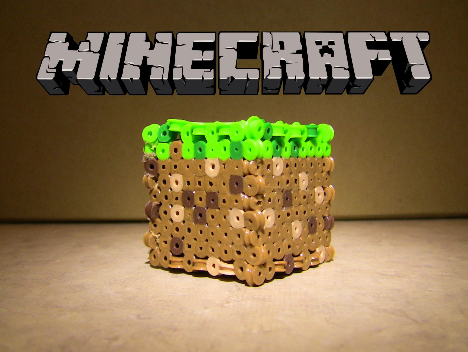 perler bead minecraft block [ 1844 x 1386 Pixel ]