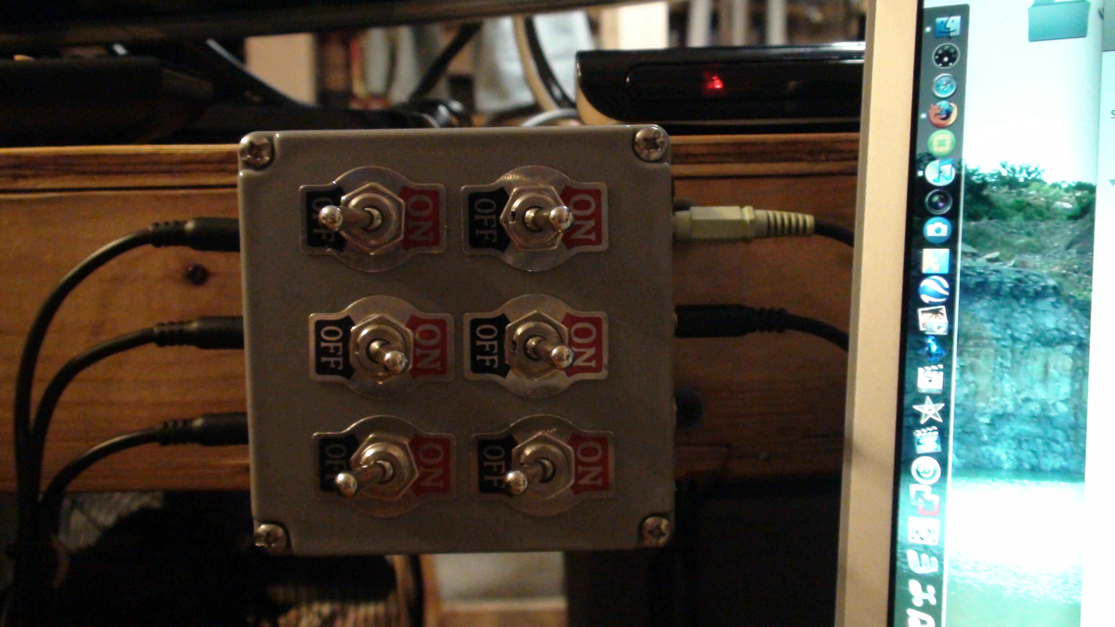 small resolution of audio switcher box 1 8 quot stereo jacks by jeremiah migas in speakers