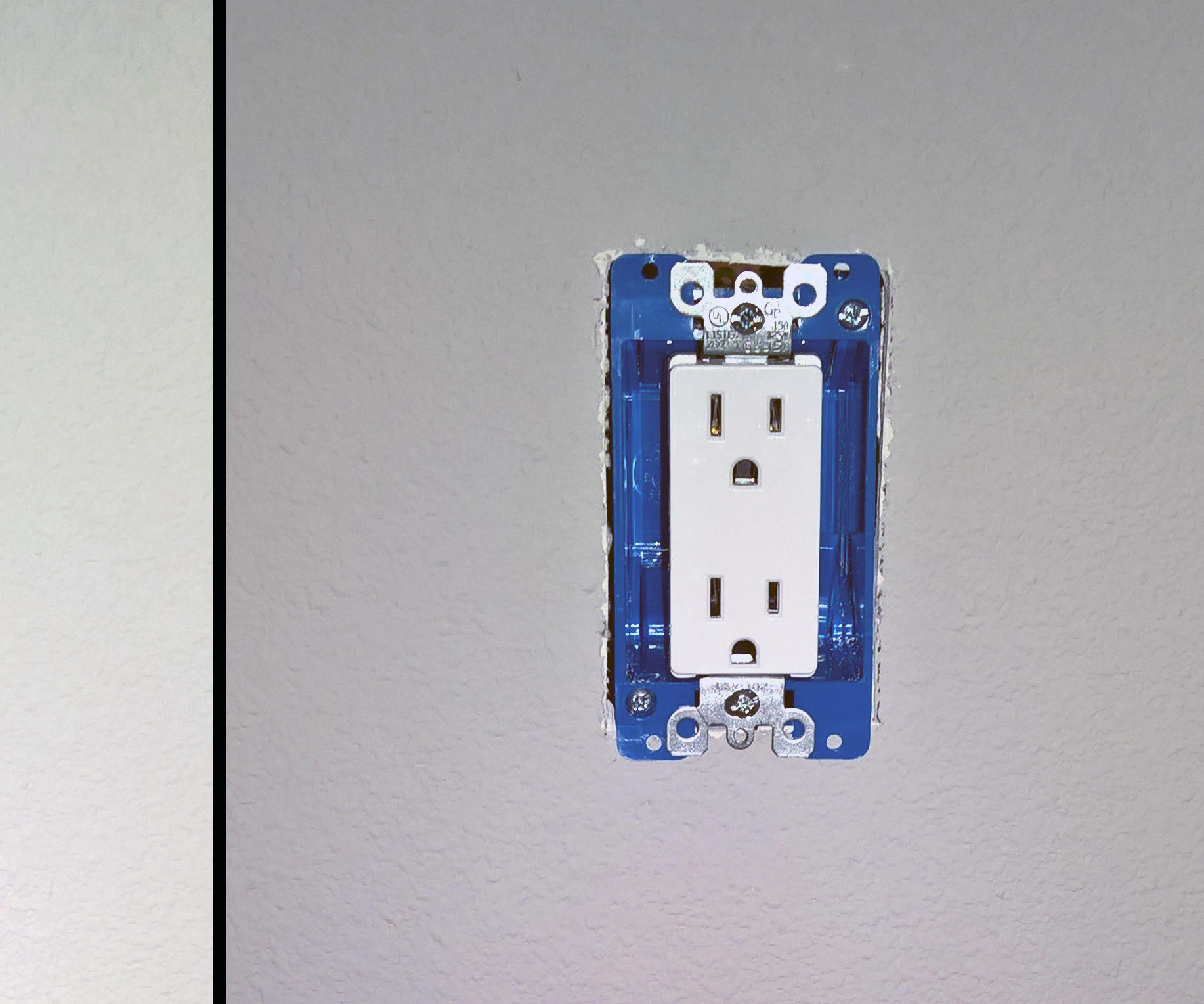 small resolution of standard wall plug wiring