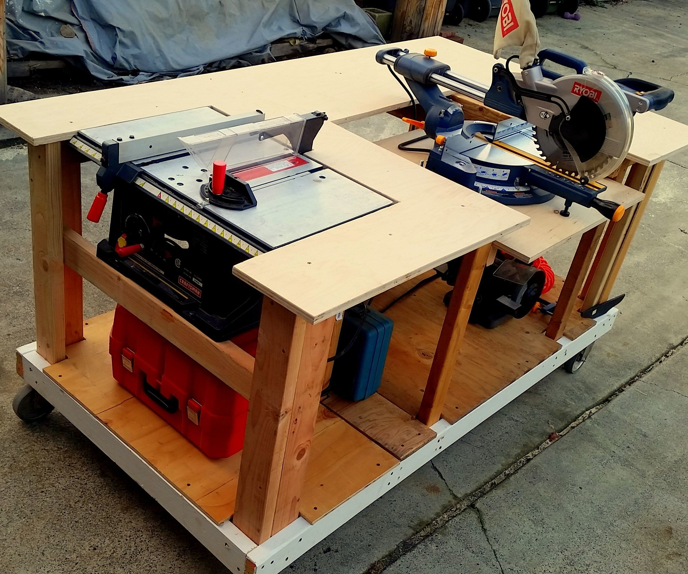 Mobile Workbench With Built-in Table & Miter Saws 8 Steps