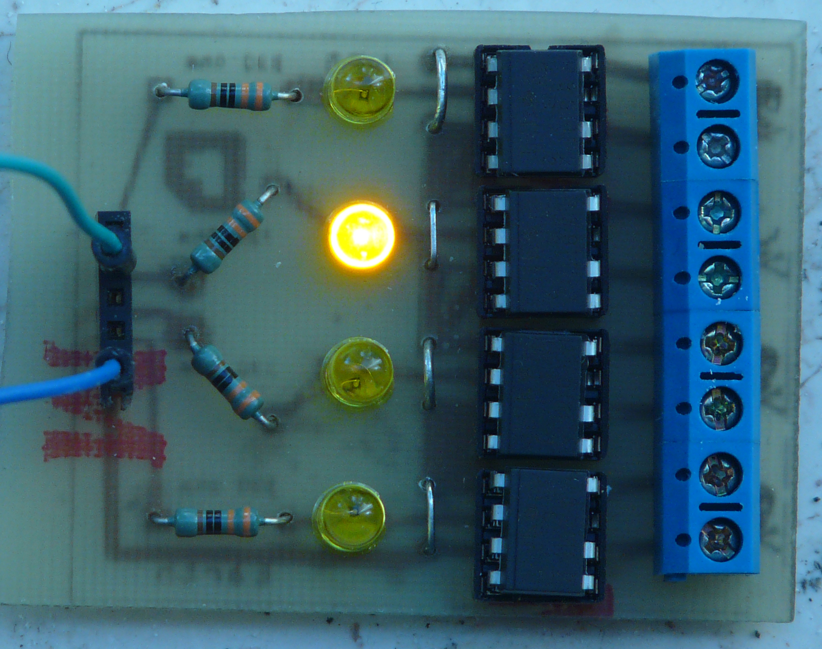 hight resolution of building a four channel solidstate relay