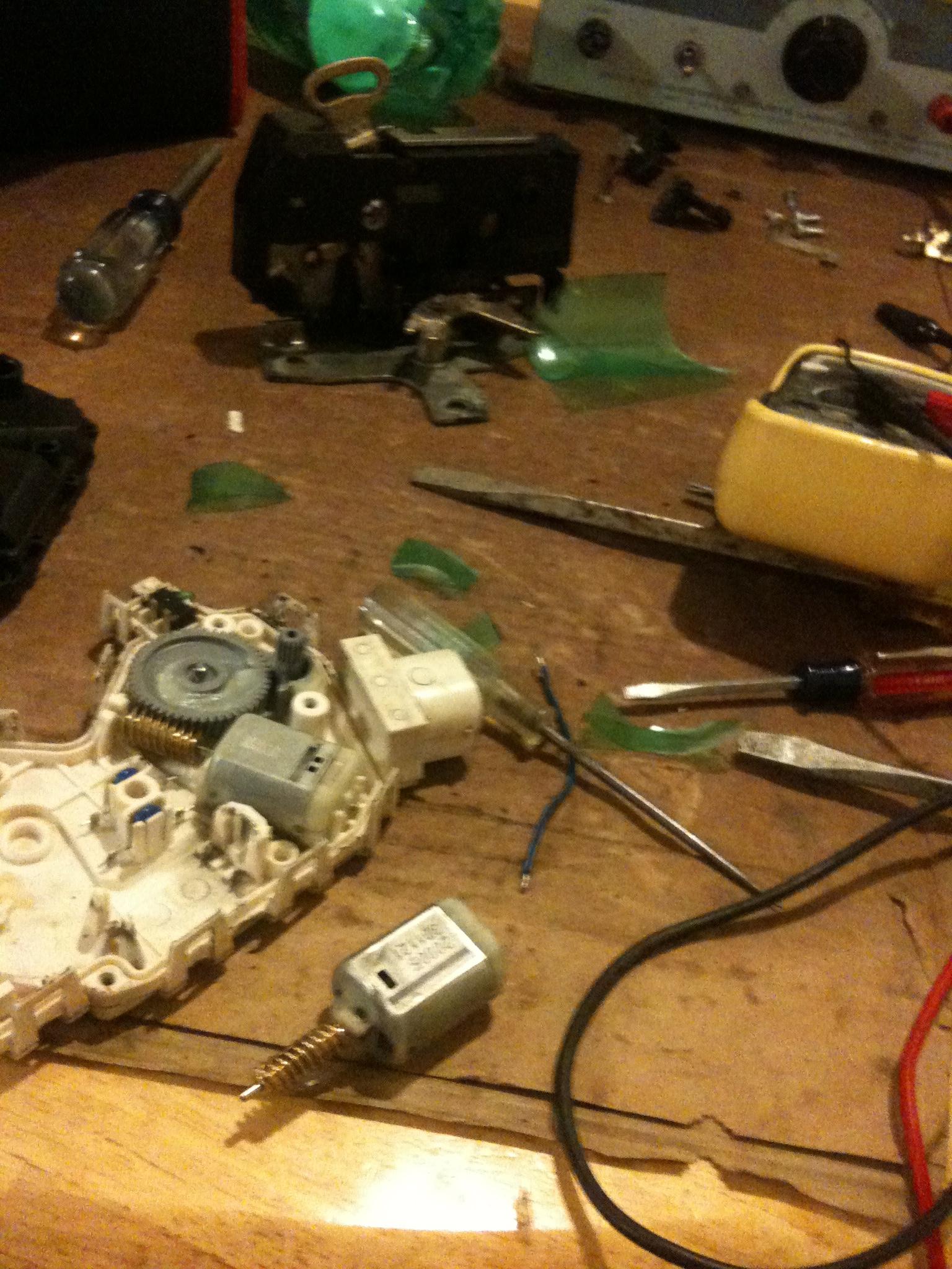 medium resolution of repair mini cooper electric door lock actuator locking mechanism