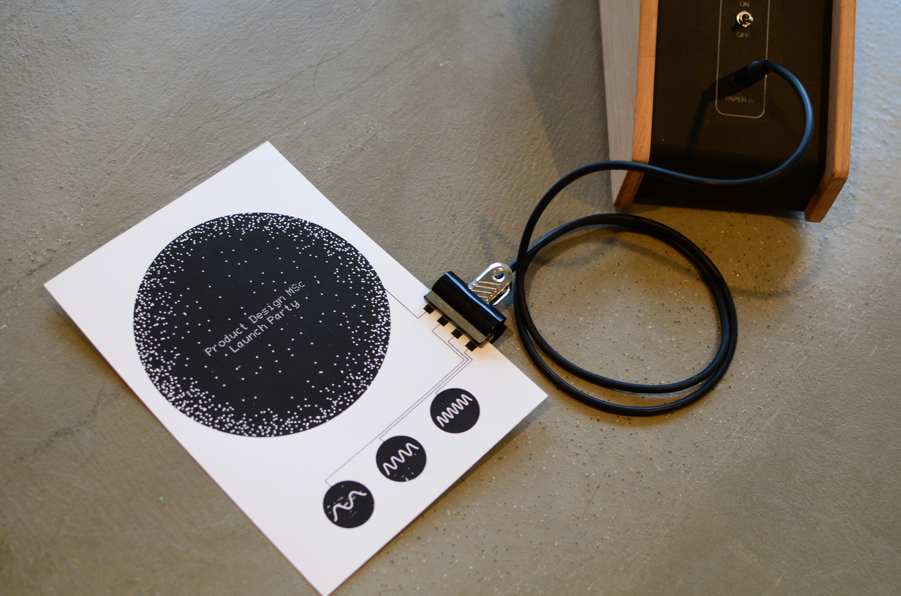 hight resolution of paper electronics make interactive musical artwork with conductive ink