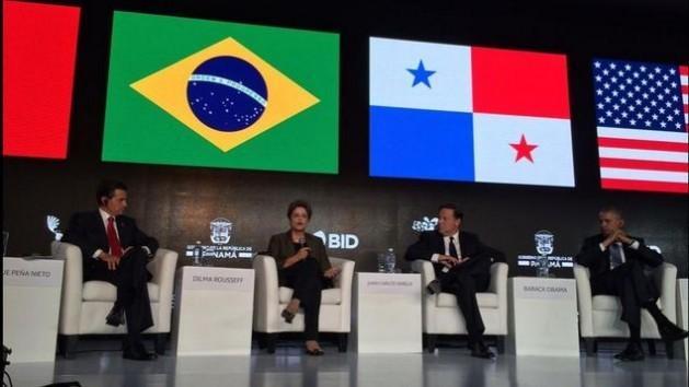 Brazilian President Dilma Rousseff with her counterparts from Mexico (left), Panama and the United States, during a panel at the Second CEO Summit of the Americas, Friday Apr. 10 in Panama City. Credit: Courtesy of the IDB