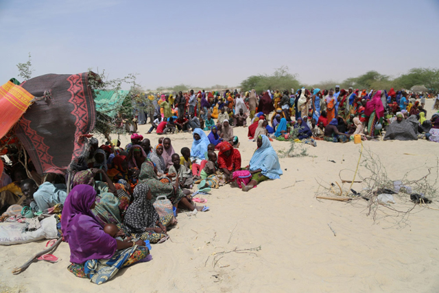 Thousands of people, mainly women and children, are scattered across the arid land of Nguigimi, Niger, after fleeing Boko Haram violence in Nigeria. Photo credit: WFP Niger/Vigno Hounkanli.