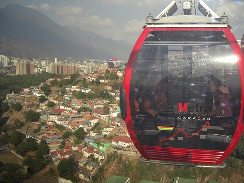 Part of the Caracas valley seen from the San Agustín Metrocable, one of the many works assigned to Odebrecht in Venezuela during the government of Hugo Chávez (1999-2013), when the Brazilian company became the biggest construction firm in the country. Credit: Raúl Límaco/IPS