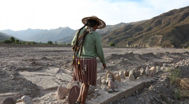 In much of the Andes, soil erosion is thought to be one of the most limiting factors in crop production. Soil is vulnerable to erosion where it is exposed to moving water or wind and where conditions of topography or human use decrease the cohesion of the soil.  ©IFAD/ Juan I. Cortés