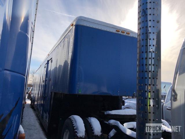 2001 Sooner Tri/A Enclosed Car Carrier Trailer in Romulus. Michigan. United States (TruckPlanet Item #4620700)