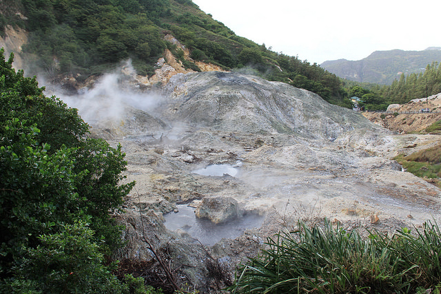 """St. Lucia Hopes To Generate Up To 30 Megawatts Of Electricity In Soufriere, Home To Sulphur Springs, The """"World's Only Drive-In Volcano"""". Credit: Kenton X. Chance/Ips"""