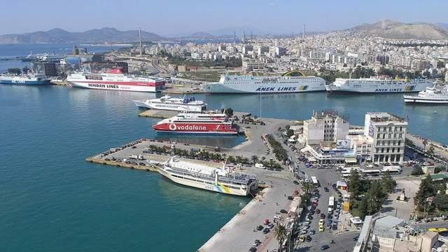 Крупнейший порт Греции Пирей