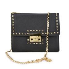 Μαύρη τσάντα ώμου με αλυσίδα 8802