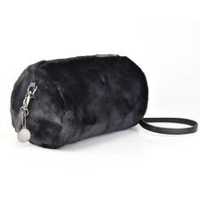 Μαύρη τσάντα βαρελάκι Diana & Co. DYH244-2