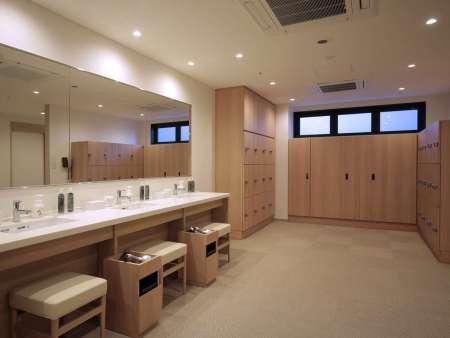 【ホテルインターゲート京都 四条新町】大浴場の脱衣所
