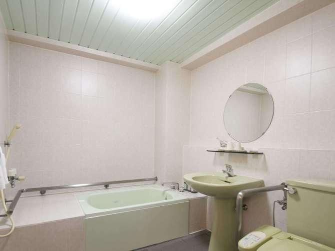 【アーバンホテル京都】ユニバーサルツインルームのバスルーム