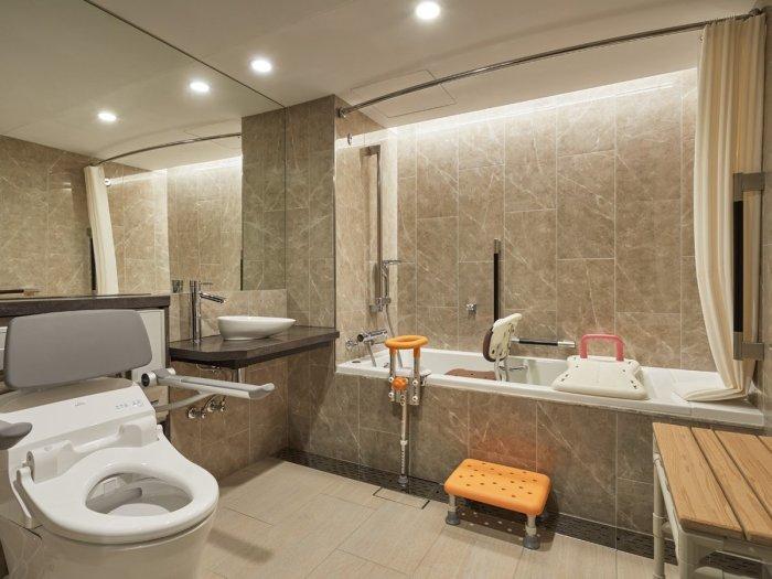 京王プラザホテルのデラックス・ツイン(ユニバーサルデザイン)バスルーム