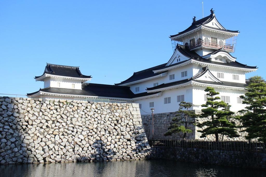 四季折々の佇まいが魅力的~日本全國の城・30選~ @jalannet
