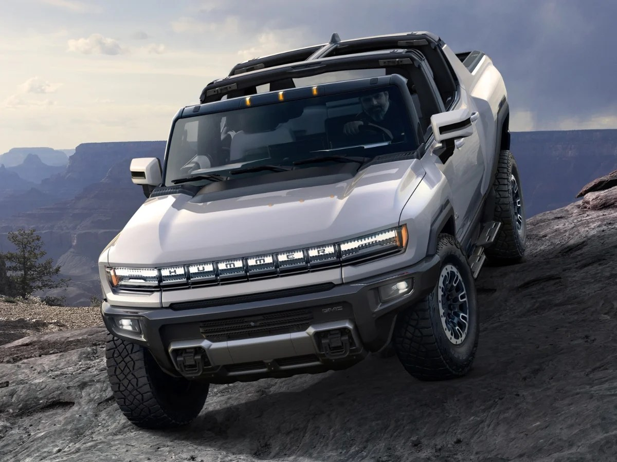 2022 GMC Hummer EV Edition 1 White Front View