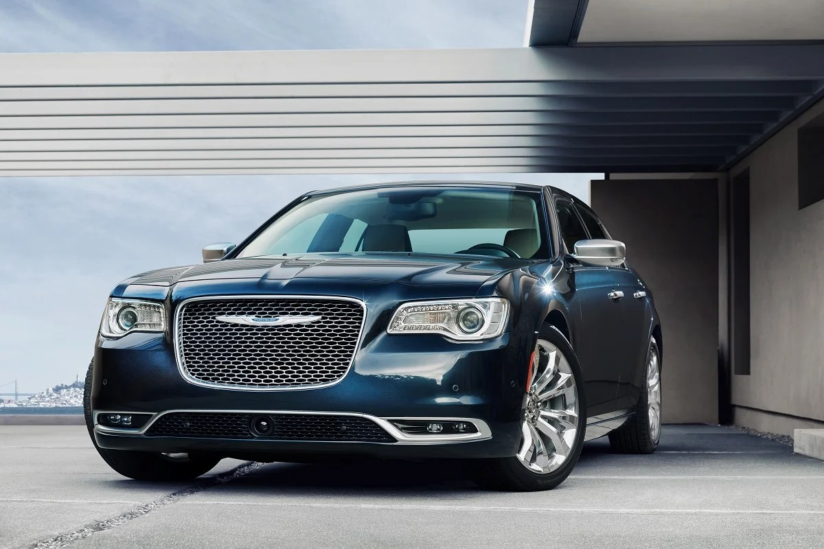 hight resolution of introduction the 2015 chrysler 300