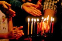Quick and Easy Guide to Lighting the Menorah | JewishBoston