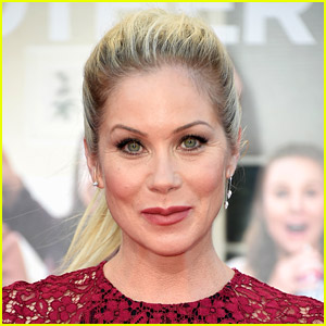 'Dead to Me' Pauses Production, Netflix Releases Statement on Christina Applegate's MS Diagnosis